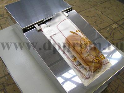 Универсальный настольный аппарат для упаковки хлеба и хлебобулочных изделий